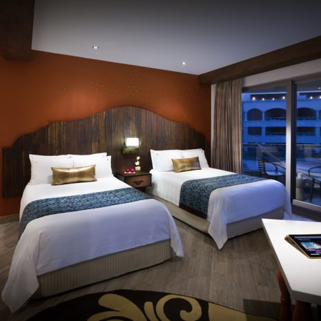 Deluxe-Gold-Double-Beds
